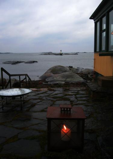 En enkel ljuslykta på strandenFoto: Sylvia Svensson