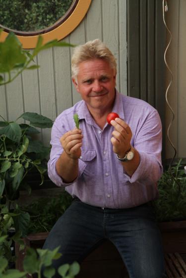 Peter är en känd profil i trädgårdsvärlden och han drev under många år en handelsträdgård i Simrishamn.