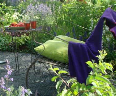 Hitta din egen favoritplats där du kan njuta av din trädgård!  Foto: Katarina Kihlberg