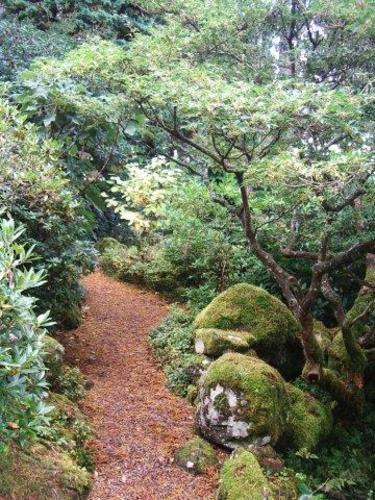 Naturens material är hållbara och skapar en tydlig stil i din trädgård. Foto:Karin Malmberg