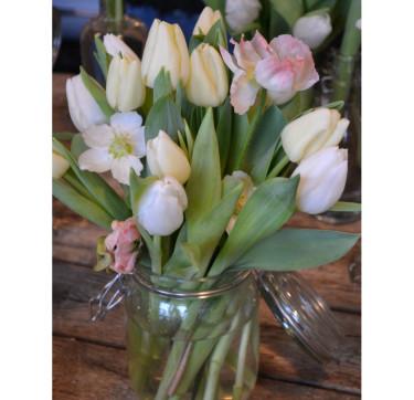 Tulpaner i syltburk