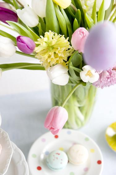 Hyacinter och tulpaner i pastell till påsk. Foto: Blomsterfrämjandet