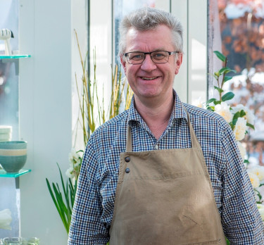 """Claus Dalby är en stark trädgårdsprofil i Danmark som syns i TV, böcker och genom den vackra bloggen """"Mit haveliv""""."""
