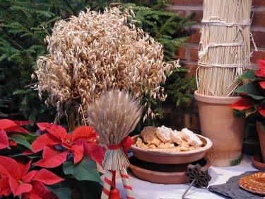 Ett julkärve som prydnad. Foto: Sylvia Svensson
