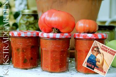 Tomatsås är enkelt att göra själv och det blir ju så gott!