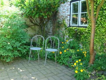 Sittplatserna är så klart en viktig funktion att tänka på i trädgården. Foto: Katarina Kihlberg