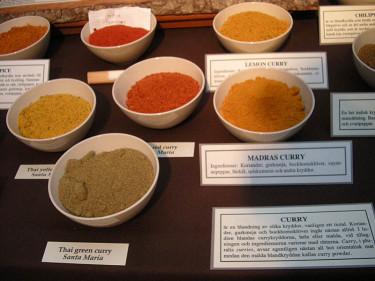 Curryblandningar.