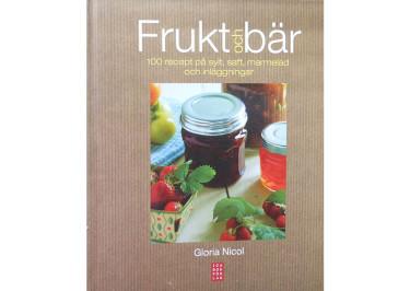 Boken Frukt och bär kommer väl till pass nu när det är skördetider för trädgårdens alla läckerheter!