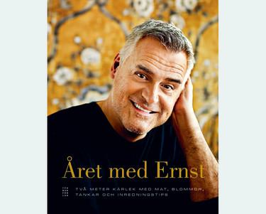 """Boken Året med Ernst har undertiteln """"Två meter kärlek med mat, blommor, tankar och inredningstips"""". Foto: ICA Bokförlag"""