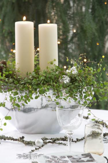 Blockljus, grönt och silver blir en vacker kombination. Foto: Floradania