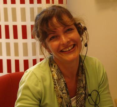 Tina Tronäss pratar gärna med kunderna på Odla.nu!  Foto: Katarina Kihlberg