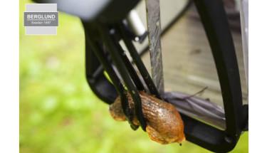 SlugMatic™ är ett nytt vapen i kampen mot mördarsniglarna. Foto: Miljöcenter