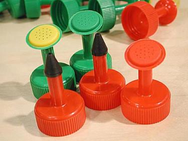 Bevattningspip till petflaska. Foto: Sylvia Svensson