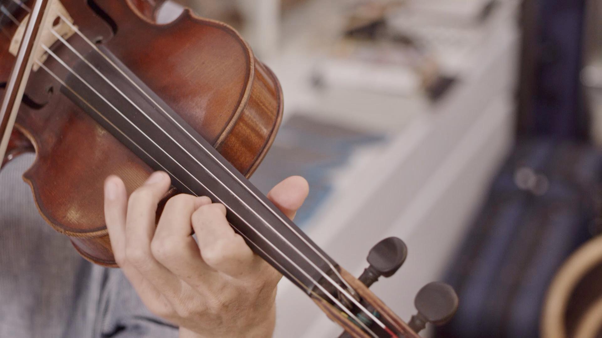 CI: Geruch alter Geigen