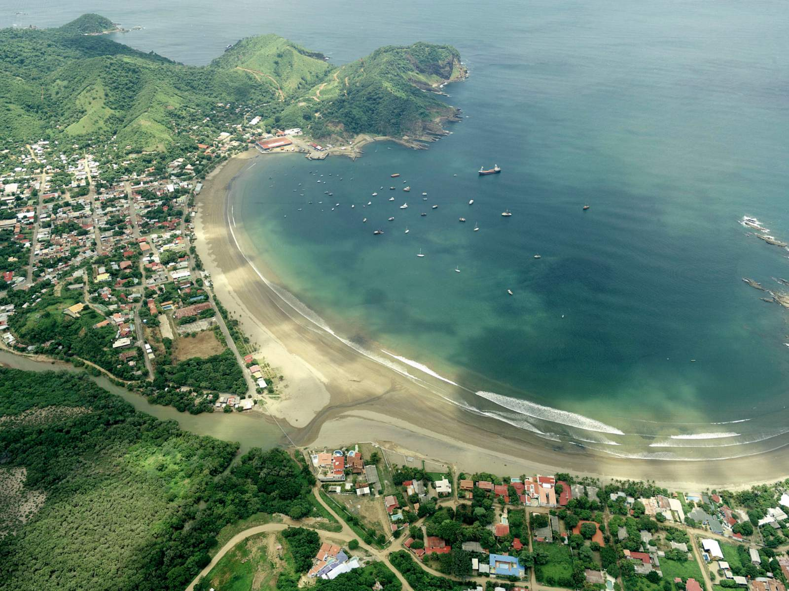 Beach and nature in San Juan del Sur