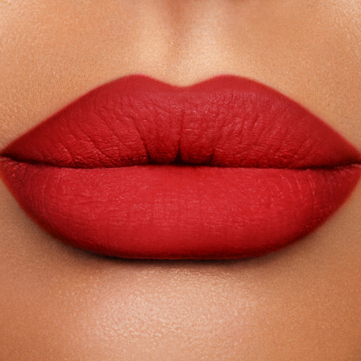 Lip Cheat Kiss n Tell Model