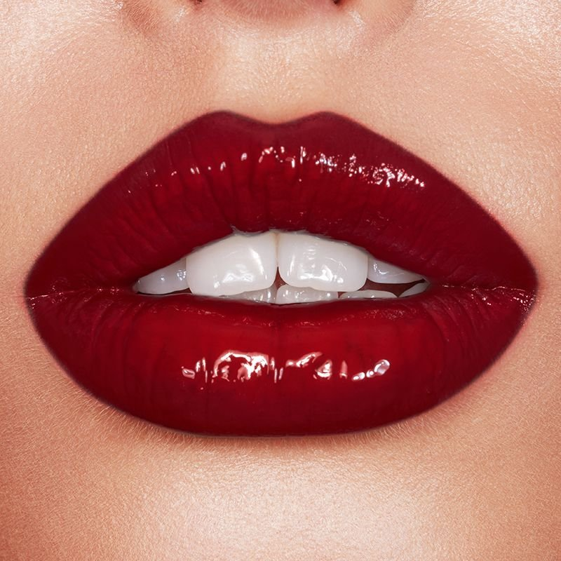 hollywood red lip
