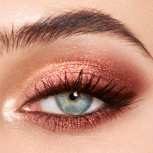 Charlotte Tilbury Palette of Pops Pillow Talk Model Light