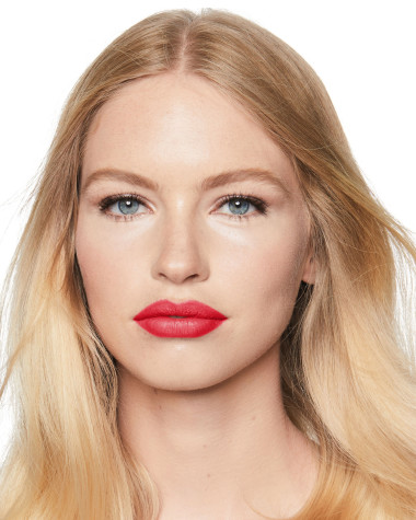 Charlotte Tilbury Hot Lips Hot Emily Model 2