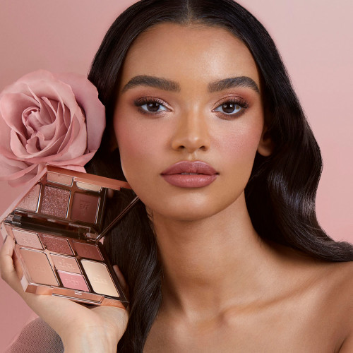 Gorgeous Glowing Beauty Instant Look in A Palette Gorgeous Glowing Beauty Model