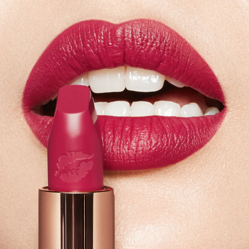 Hot Lips 2.0 Amazing Amal lipstick and model's lips