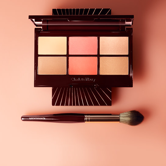 Glowing Pretty Skin Face Palette and makeup brush