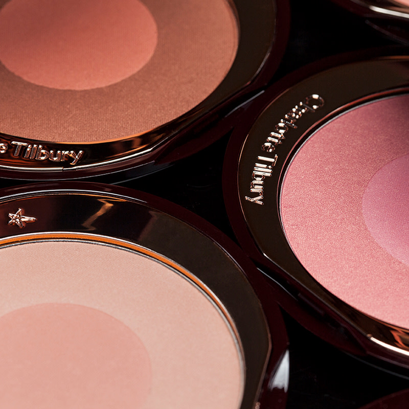 how to apply blush FI