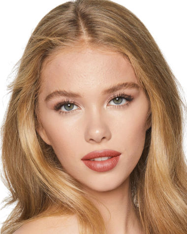 Charlotte Tilbury KISSING Stoned Rose Model 5