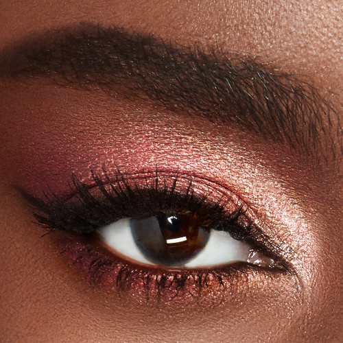 Charlotte Tilbury Palette of Pops eyeshadow Pillow Talk Model Deep