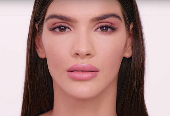 How to get a flawless pillow talk look with Airbrush Flawless Foundation Image