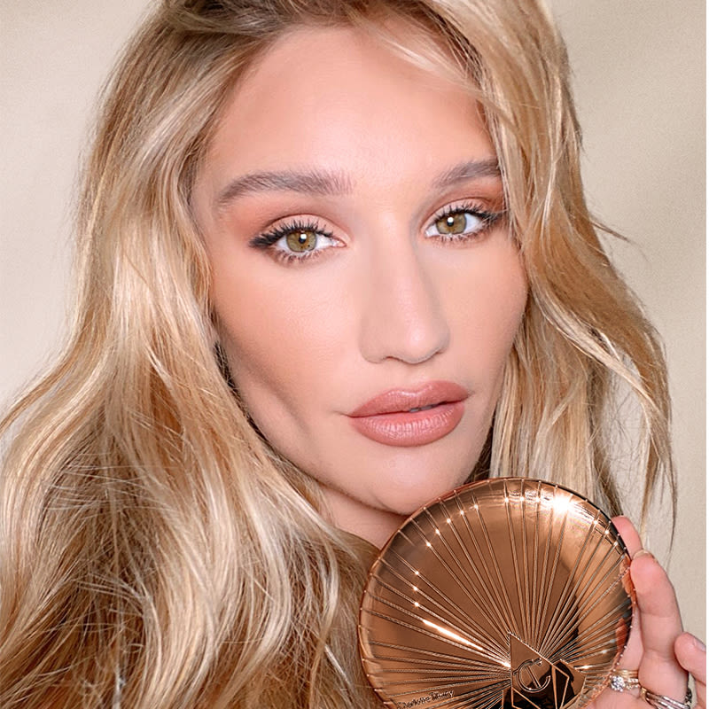 How to Apply Bronzer with Sofia T