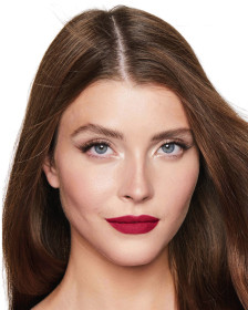 Charlotte Tilbury Matte Revolution The Queen Model 3