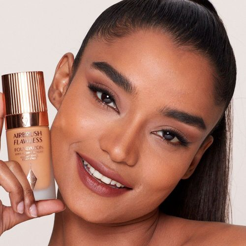 Airbrush Flawless Foundation 10 Warm Model