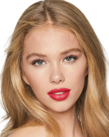 Charlotte Tilbury Hot Lips Hot Emily Model 5