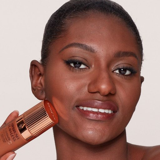Airbrush Flawless Foundation 15 Warm Model