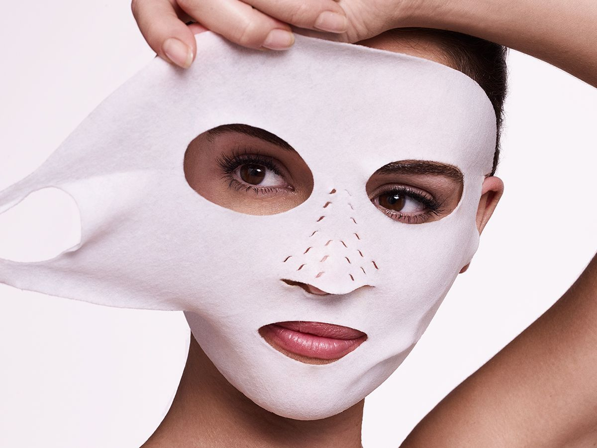 THE INSTANT MAGIC FACIAL DRY SHEET FACE MASK