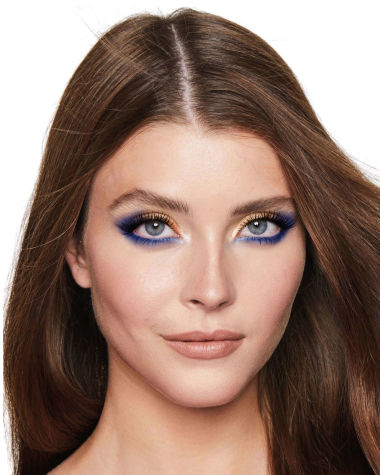 Eye Colour Magic Luxury Palette blue Model3 R6