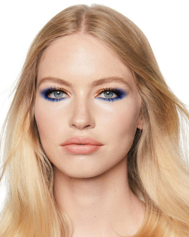 Eye Colour Magic Luxury Palette blue Model2 R6