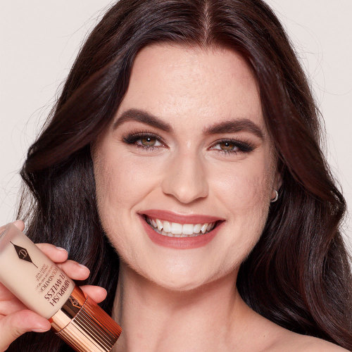 Airbrush Flawless Foundation 3 neutral model