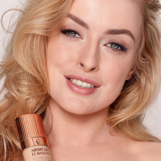 Airbrush Flawless Foundation 5 warm model