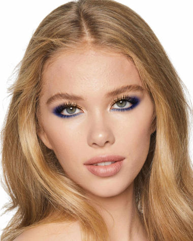 Eye Colour Magic Luxury Palette blue Model5 R6