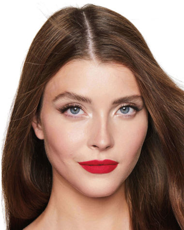 Charlotte Tilbury Hot Lips 2 Patsy Red Model 3
