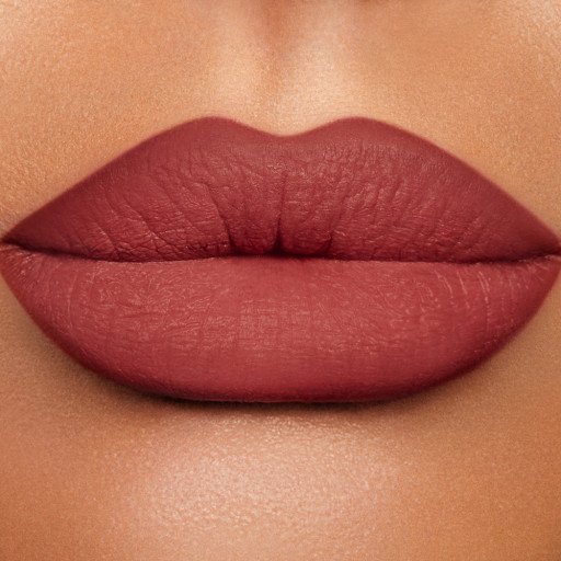 Lip Cheat crazy in love model