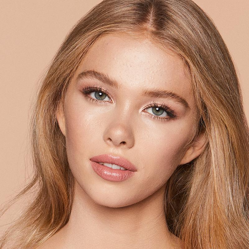 Dewy Makeup Effect Charlotte Tilbury
