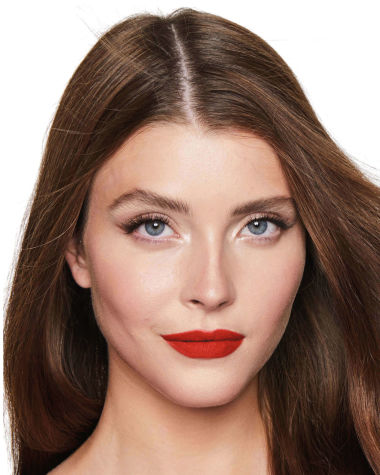 Charlotte Tilbury Hot Lips 2 Red Hot Susan Model 3