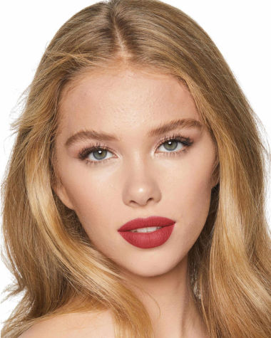 Charlotte Tilbury Hot Lips 2 Viva La Vergara Model 5