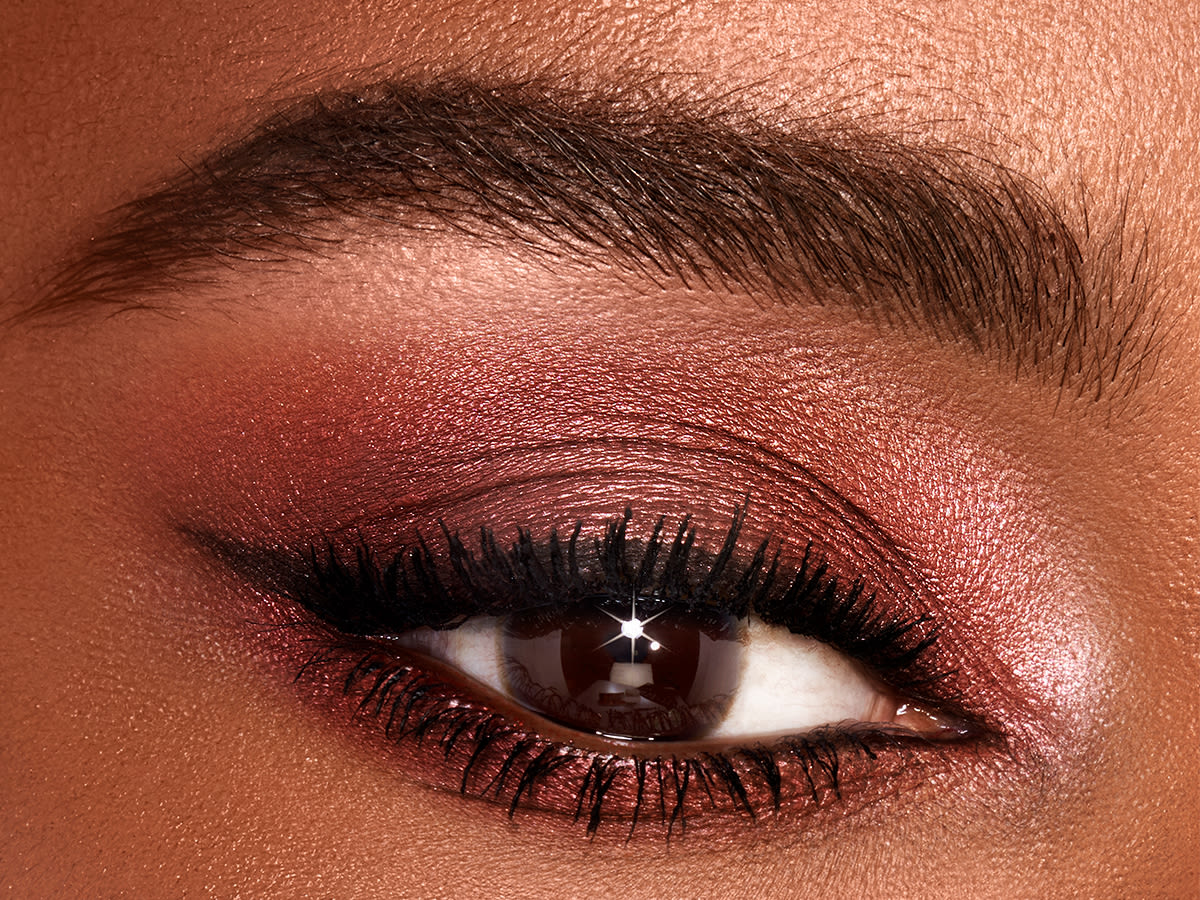 How To Create A Rose Gold Inspired Eyeshadow Look Love Glow Charlotte Tilbury