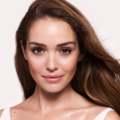 charlotte-tilbury-skincare-gorgeous-glowing-youth-model