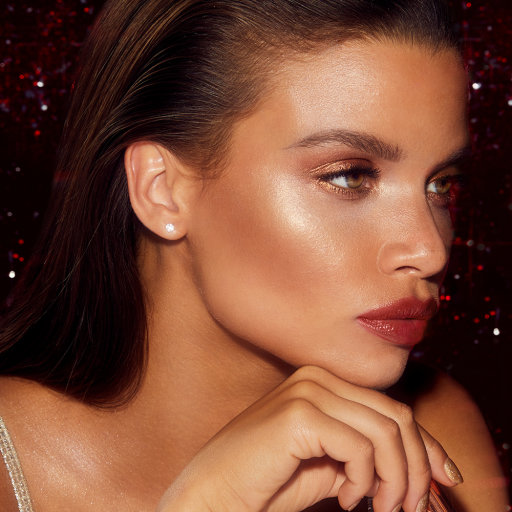 charlotte-tilbury-bar-of-gold-model