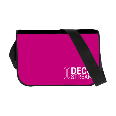 Cross body bag with one long strap. The bag can be personalised with a logo and design on Helloprint.